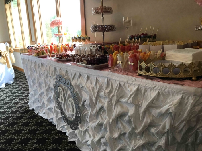 Buffett Table - River Oaks Golf Course - Cottage Grove